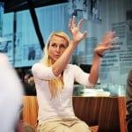 Helsingin Sanomain Säätiön järjestämän Uutisraivaaja-kilpailun lanseeraustilaisuus Päivälehden museossa 19.9.2012. Kuvassa Pia Erkinheimo.