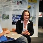 Helsingin Sanomain Säätiön järjestämän Uutisraivaaja-kilpailun lanseeraustilaisuus Päivälehden museossa 19.9.2012. Kuvassa toimittaja Veera Miettinen.
